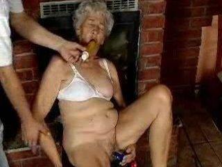 grand mom loves dildo...