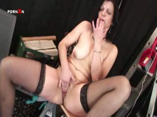 ravishing milf with a first-class nipper gets