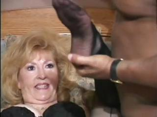 filthy granny tries a lot of fresh things in sex