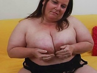 chunky pale brunette d like to fuck with large