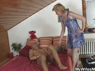 horny boy drills his gfs mamma love tunnel