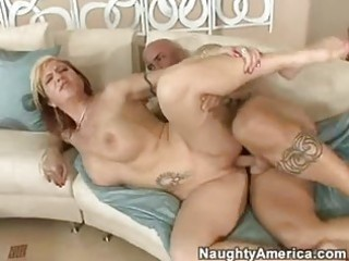 gorgeous momma brittany blaze receives a sticky