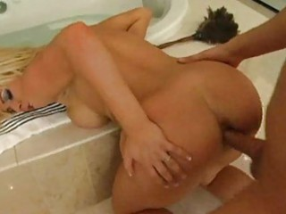 blond d like to fuck is baths wench