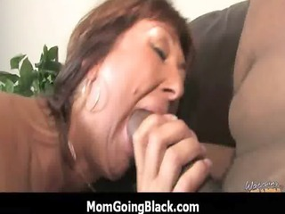 wife and mom copulates a large darksome dick 4