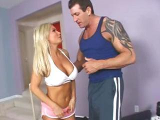 golden-haired milf diamond foxxx works out her