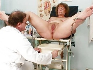 unshaved fat mommy gets harrassed by gynecologist