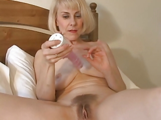 enchanting mama hazel may plays with her bushy