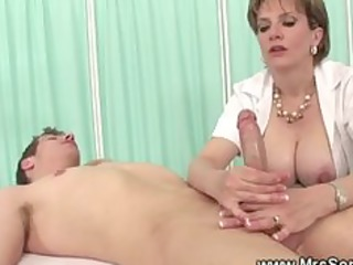 milf gives explosive oily cook jerking