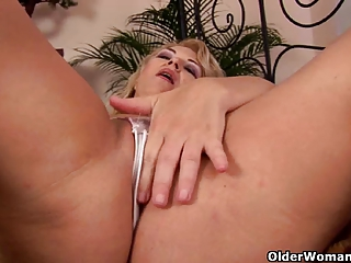 curvy grandmother works her old twat with fingers