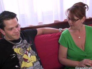 anal loving mom jumps on wang
