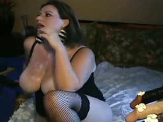Nasty milf loves deepthroating