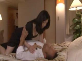 asian bitch does not mind voyeurs in her bedroom