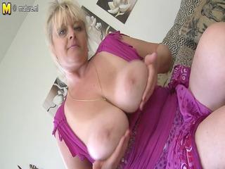 bug breasted mature slut mommy getting moist