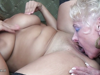 sexy hotty fuck aged lesbian babes at one time