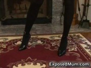 Hot milf in glasses deepthroating black