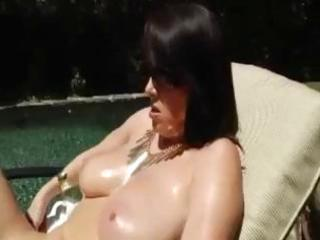 sexy dark brown d like to fuck rayveness oils up
