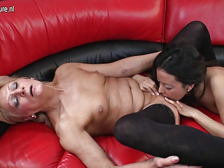 grandma drilled by juvenile lesbo beauty