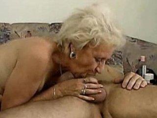 granny cant deepthroat