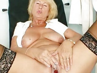 golden-haired mother i greta large natural tits