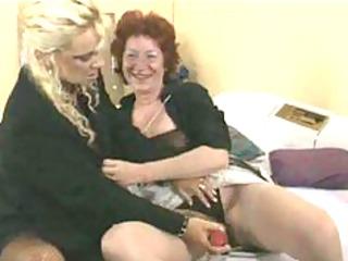 Lesbiennes Mamy Aime mature mature porn granny