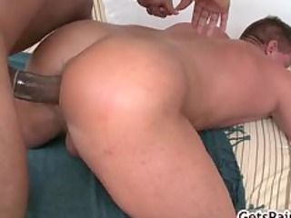 Mature muscle guy sucking black cock part1