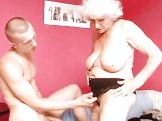aged granny betty bonks juvenile pecker