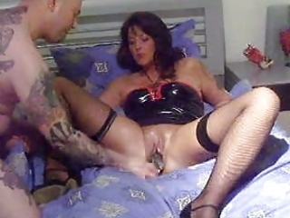 amateur mother i fisting and footing!