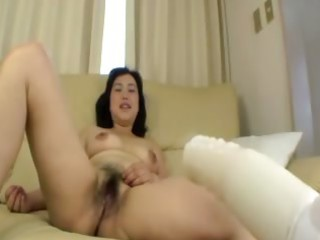 unshaved asian older receives fingered