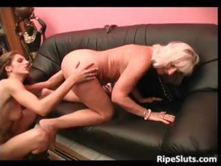breasty blond aged wench gets her stinky