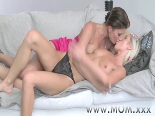 mamma lesbian milfs eating juciy juicy crack