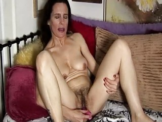 mature dilettante has a hairy pussy