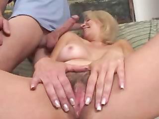 mature woman fucks