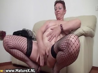 old breasty housewife widening legs