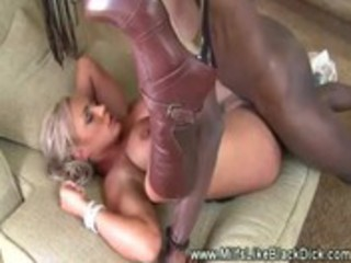 white milf deeply pussyfucked by dark penis