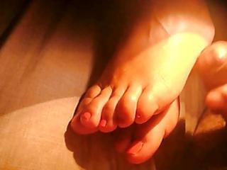 cum on my wifes feet in the night.
