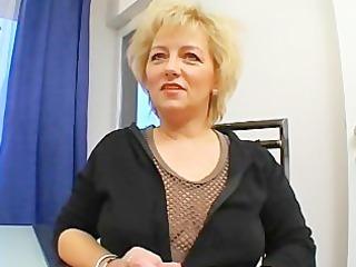 hawt european mom