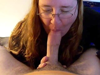 thick milf gives head (1m115s)