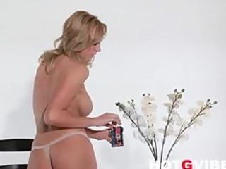 brett rossi maturbates with her toys