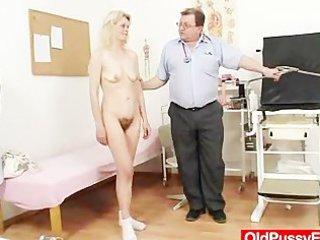 slim granny isabela with extremly hairy cum-hole