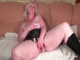 aged sweetheart satisfies her soaked pussy