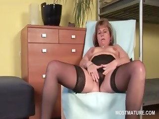 hot blonde older wide widening her pink muff