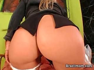 brazilian d like to fuck toy her snatch