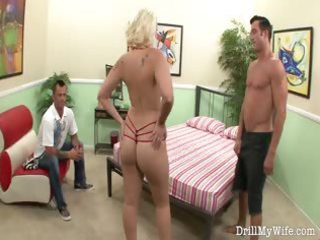 horny wife gives a stranger a admirable oral job
