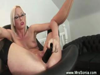 older secretary acquires her vagina toyed