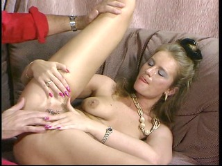 mature blond likes double penatration from old