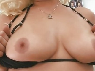aged hottie gives wild irrumation sex