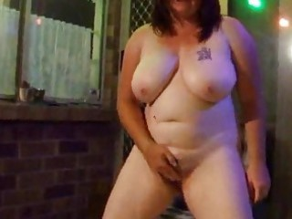 Piss chubby wife pissing