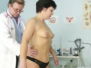 aged woman eva visits gyno doctor to get gyno