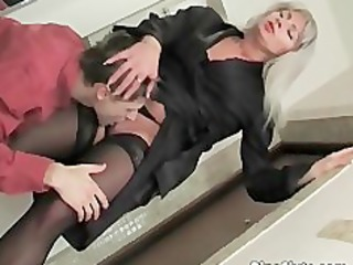blond mom clothed in hawt underware