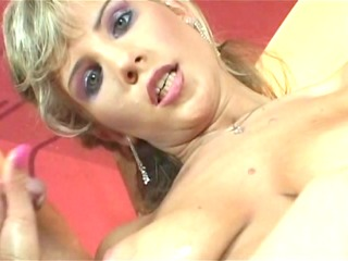 very attractive mother i gives a great handjob